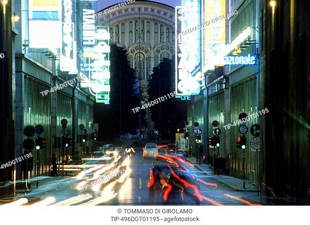 Italy, Piedmont, Turin, Via Roma at Night