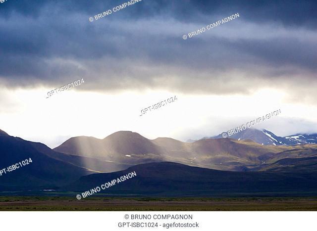 VOLCANIC LANDSCAPE ON THE SNAEFELLSNES PENINSULA, NORTHWESTERN ICELAND, EUROPE