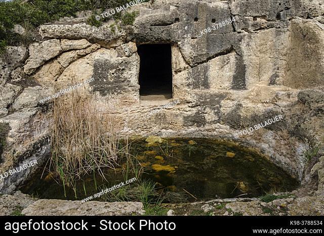 necropolis, Cala Morell, Ciutadella, Menorca, Balearic Islands, Spain