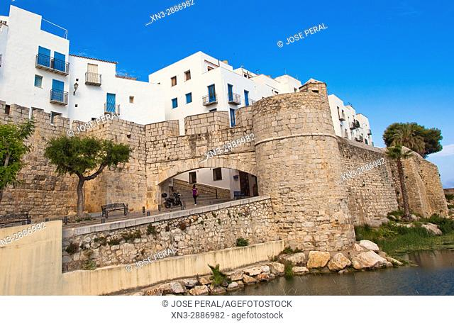 Old town and fortress, Mediterranean Sea, Peníscola, Castellón province, Valencian Community, Spain, Europe