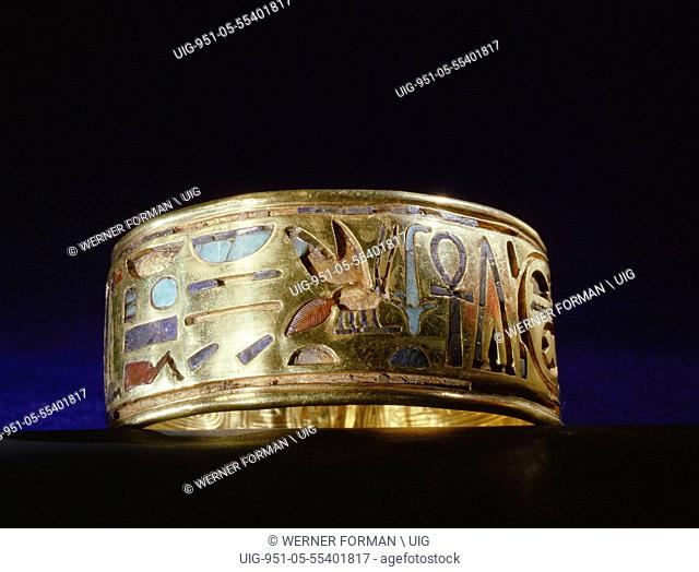 Gold bracelet from the tomb of Psusennes I, one of 22 bracelets found on the kings arms