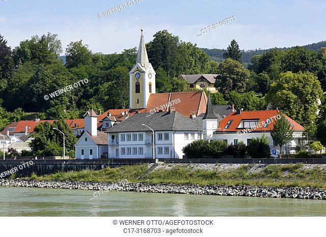 Persenbeug-Gottsdorf, Austria, Lower Austria, District Melk, Persenbeug-Gottsdorf, Danube, Strudengau, city view of Persenbeug, Market Chapel, Florianis Chapel