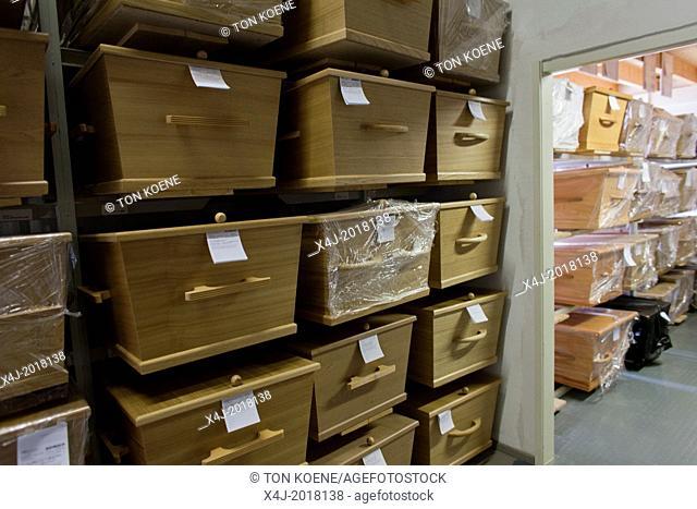 coffins in Holland