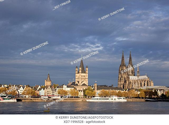 Church of Gross St Martin and Cologne Cathedral with River Rhine, Cologne, Rhine-Westphalia, Germany