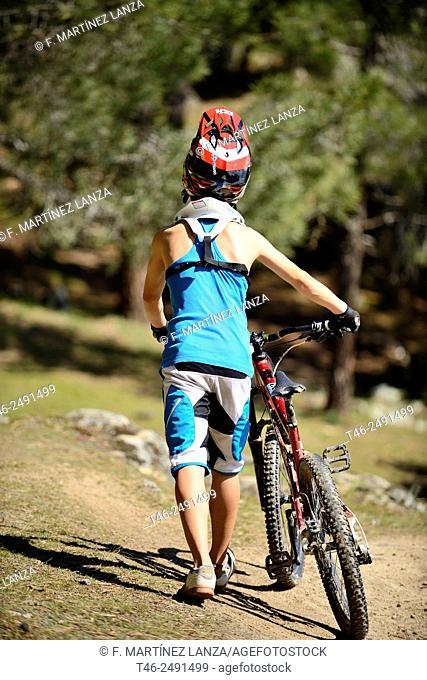 BIKE DOWNHILL CYCLING ENDURO