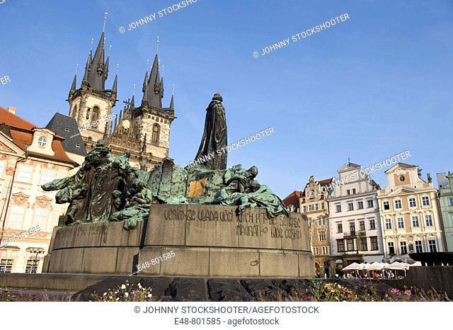 Jan hus statue tyn church old town square staromestske namesti. Prague. Czech Republic