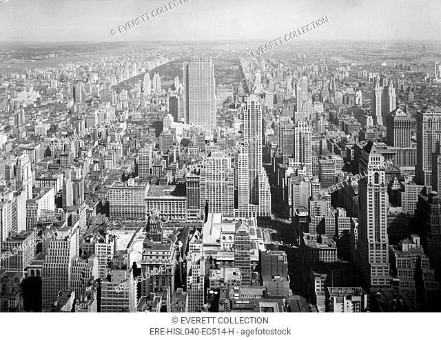 View North from NYC's Empire State Building includes the new RCA Building. Sept 11, 1933. Beyond are the Upper West and East Sides, bordering Central Park