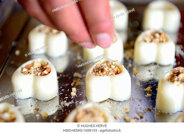 Peru, Cuzco province, Cuzco, white chocolate sweets in the chocolate shop De Ti Para Mi by the Ninos Unidos Peruanos Charitable Foundation which is in charge of...