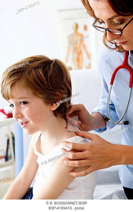 DERMATOLOGY, SYMPTOMATOLOGY IN C Consultation médicale d'un garçon de 6 ans