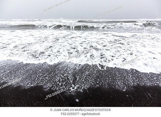 Black beach, Reynisdrangar, Vik, Southern Iceland, Iceland, Europe