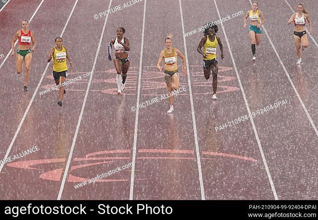 04 September 2021, Japan, Tokio: Paralympics: Athletics, women, 400-meter final, T38, at Olympic Stadium. Gold medal winner Lindy Ave (Germany
