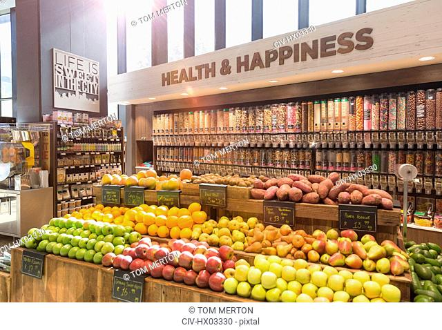 Fresh, organic fruits, vegetables and bulk food in health food store