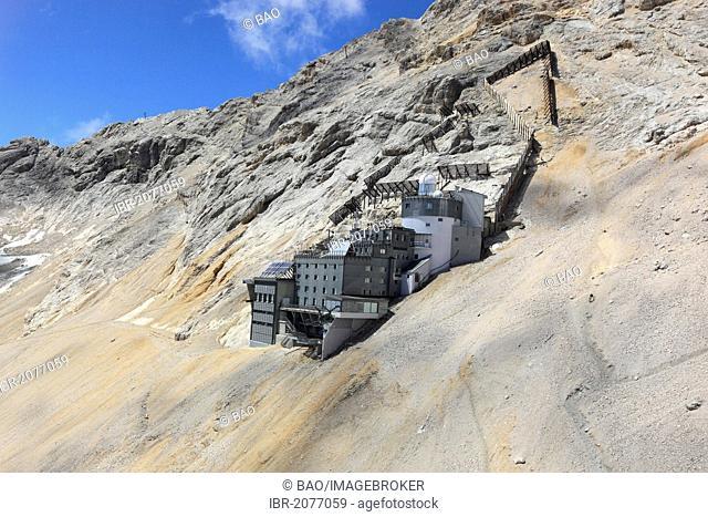 Schneefernerhaus, former hotel, now environmental research station, Mt Zugspitze, Wetterstein range, Bavaria, Germany, Europe