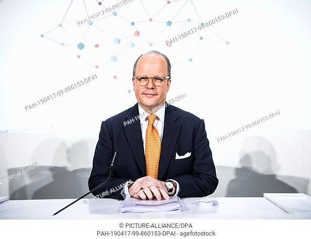 17 April 2019, Rhineland-Palatinate, Ingelheim: Hubertus von Baumbach, CEO, sits on the podium before the press conference