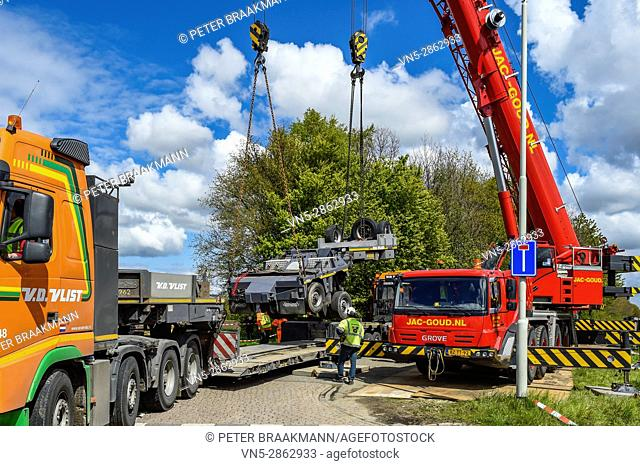Wouw - Nederland - An intercity train was bumped on a truck at a railway crossing at the Plantagebaan in Wouw