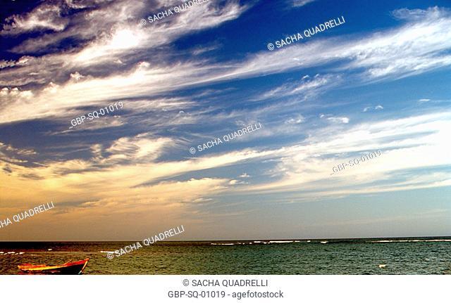 cloudy sky, sea, Ilha Grande, RJ