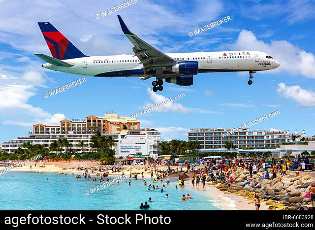 A Boeing 757-200 of Delta Air Lines with the registration N694DL at the airport St. Maarten