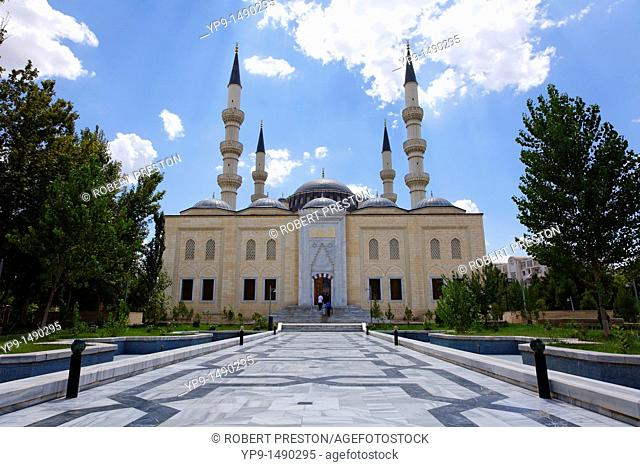 Turkmenistan - Ashgabat - the Azadi mosque