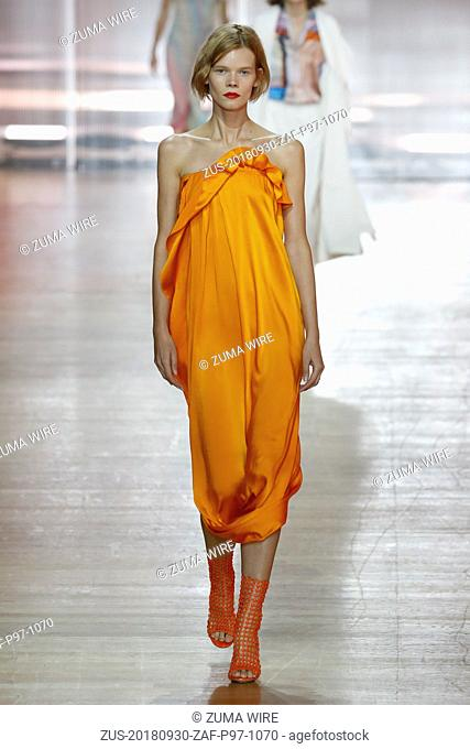 September 30, 2018 - Paris, France - Poiret. - Model On Catwalk, Woman Women, Paris Fashion Week 2019 Ready To Wear For Spring Summer, Defile
