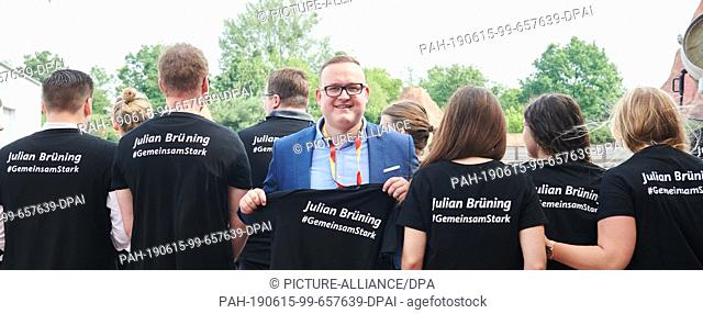 15 June 2019, Berlin: Julian Brüning (CDU), state chairman of the Junge Union, and his party friends come to the Brandenburg state representative assembly to...