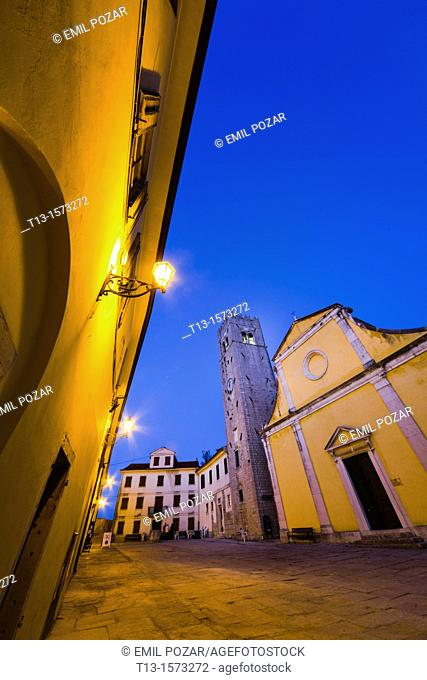 Motovun medieval town in Istria, Croatia, central square and St. Stephen's church (Crkva svetog Stefana)