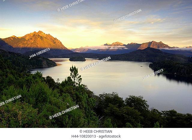 Lago Nahuel Huapi, Parque Natiocal Nahuel Huapi, San Carlos de Bariloche, Rio Negro, Patagonia, Argentina, South Ameri