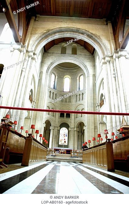 Northern Ireland, Belfast, Donegall Street, Interior view of the grand Belfast Cathedral