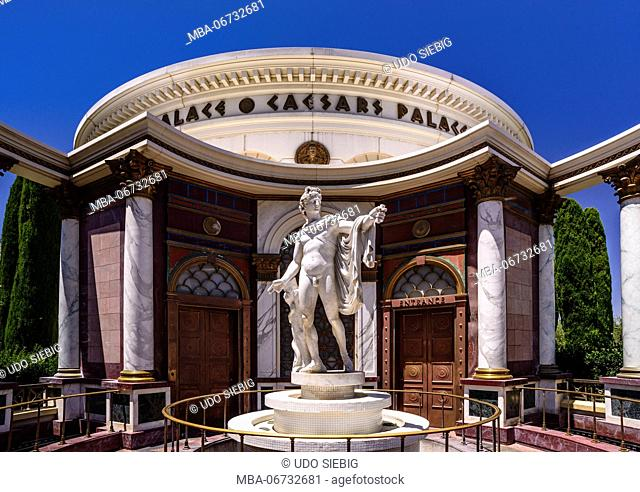 The USA, Nevada, Clark County, Las Vegas, Las Vegas Boulevard, The Strip, Caesar Palace, outdoor facility, Apollo Statue