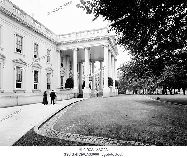 Entrance, White House, Washington DC, USA, circa 1910