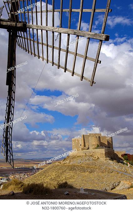 Windmills and Castle of the Knights of St  John of Jerusalem, Consuegra, Toledo province, Route of Don Quixote, Castilla-La Mancha, Spain