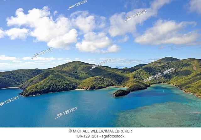 Aerial view of Mantaray Bay, Hook Island, Whitsunday Islands National Park, Queensland, Australia