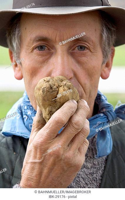 Between Asti and Alba Piedmont Piemonte Italy truffles searcher finder hunter truffels