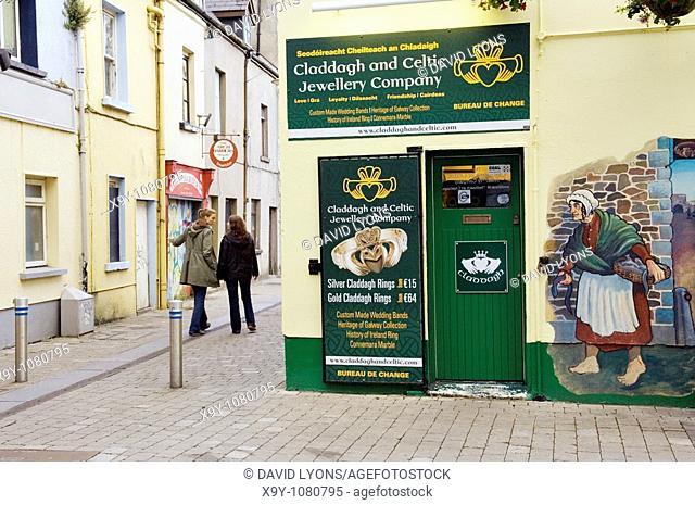 Quay Street Galway Ireland Stock Photos And Images Agefotostock