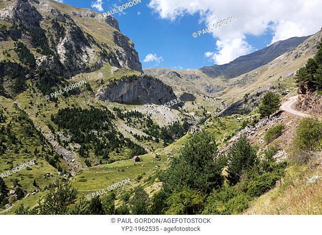 Shepherd's hut in the Rio Real Valley - Reserva Nacional de los Circos, Huesca, Aragon, Spain