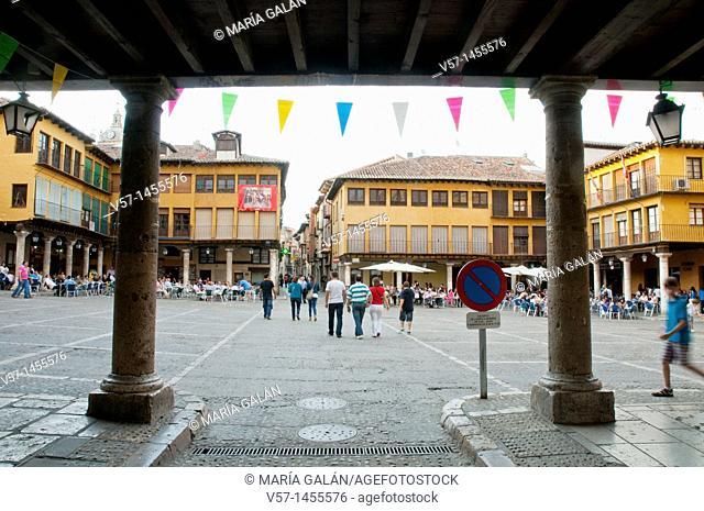 Main Square, view from the arcade. Tordesillas, Valladolid province, Castilla León, Spain