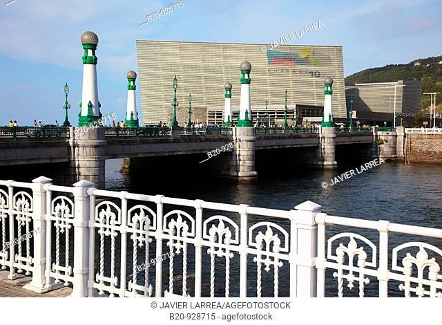 Zurriola bridge, Kursaal Palace, river Urumea, San Sebastian, Donostia, Gipuzkoa, Basque Country, Spain