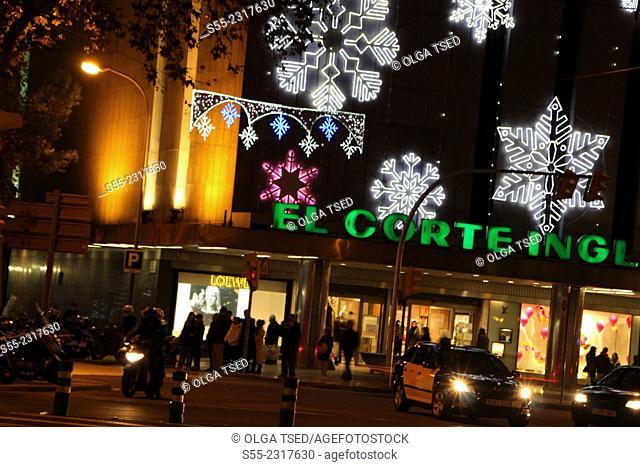 El Corte Ingles. Nightly colorful Christmas illumination. Av. Diagonal, Barcelona, Catalonia, Spain