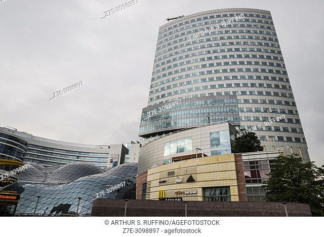 Golden Terraces Shopping Center (Zlote Tarasy), downtown, Warsaw, Poland, Europe