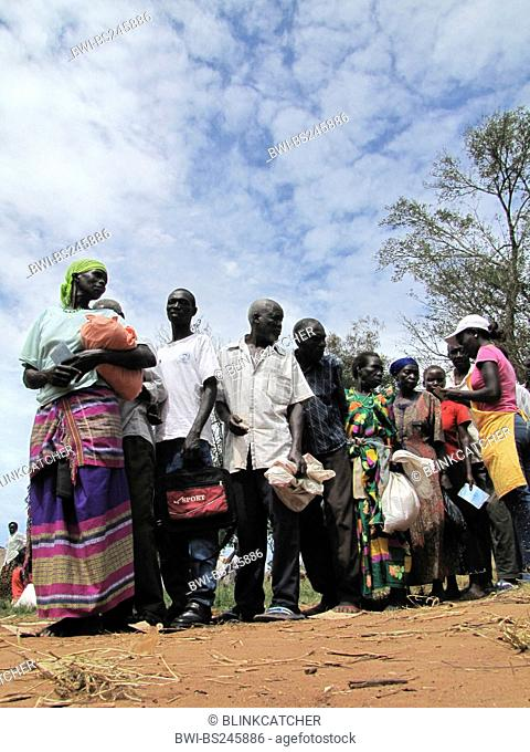 Refugee camp for internally displaced people in northern Uganda around Gulu, the non-governmental organisation 'Norwegian Refugee Council' is distributing food...