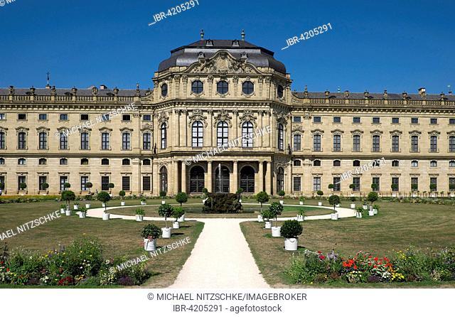 Courtyard garden with Royal Palace, Residenz, Würzburg, Lower Franconia, Bavaria, Germany