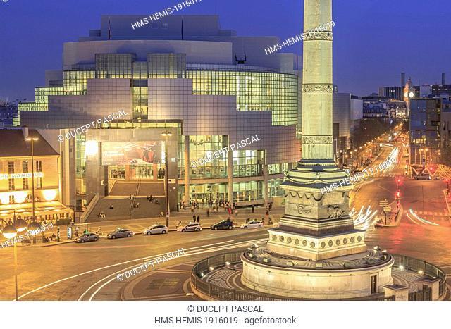France, Paris, Place de la Bastille, the July Column (Colonne de Juillet) and the Bastille Opera by architect Carlos Ott