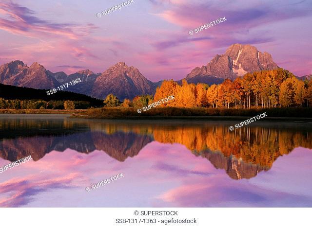 USA, Wyoming, Grand Teton National Park, Morning light at Oxbow Bend