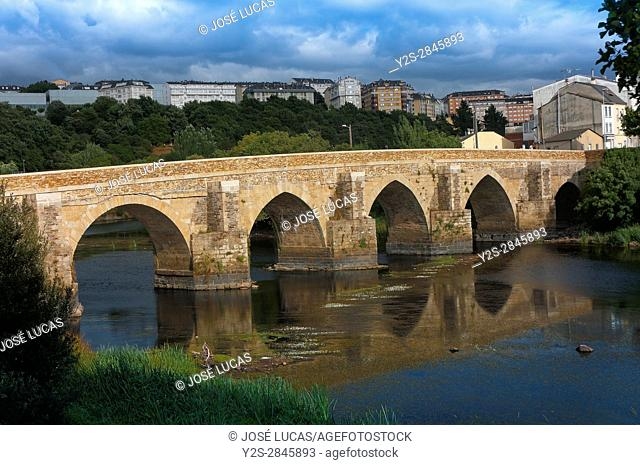 Roman bridge over Miño river - first century, Lugo, Region of Galicia, Spain, Europe