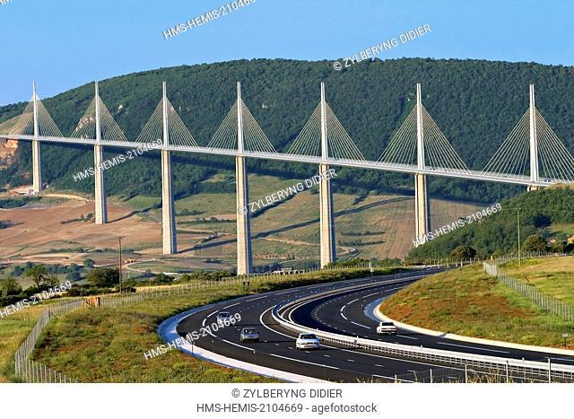 France, Aveyron, Parc Naturel Regional des Grands Causses (Natural regional park of Grands Causses), Millau, Millau Viaduct architects Norman Foster and Michel...