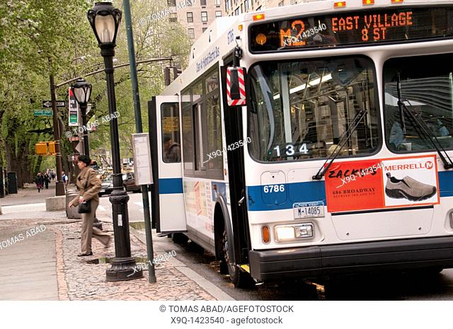 M2 MTA Public Bus, 5th Avenue, New York City, 2011
