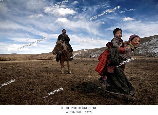 Pilgrim monk Wan Cangxiang Maqu County Gannan state Gansu Province China
