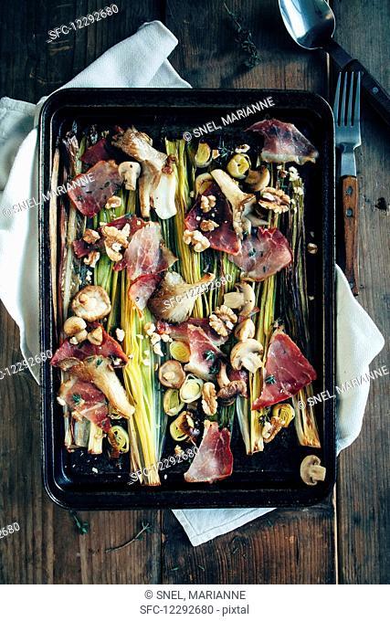 Leek, raw ham, mushrooms, walnuts, thyme