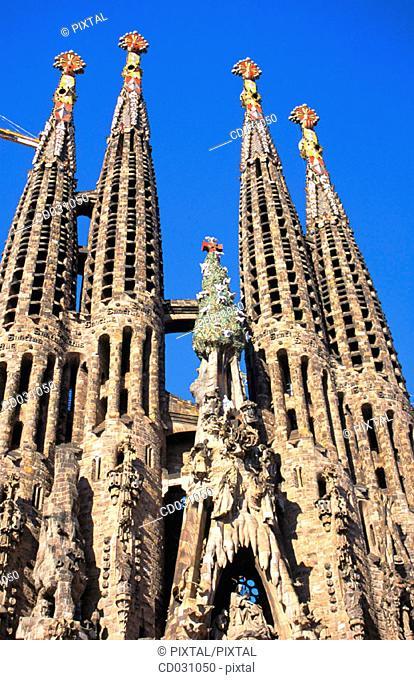 Facade of the Sagrada Familia, Church of the Holy Family (Gaudí, 1883-...). Barcelona. Spain