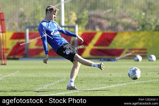 firo: 08.01.2020 Football, Soccer: 1. Bundesliga, season 2019/2020 training camp in Spain, Murcia, training, S04, FC Schalke 04, TL, camp