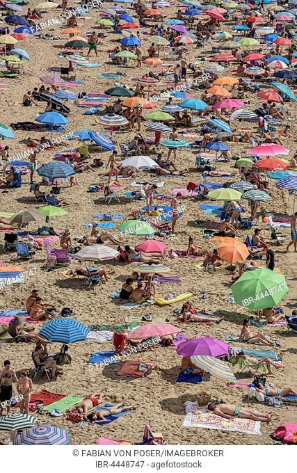 Tourists at Playa de Levante, Benidorm, Alicante, Costa Blanca, Spain